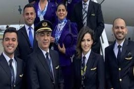 الكابتن رلى حطيط تقود طائرة الرئيس عون